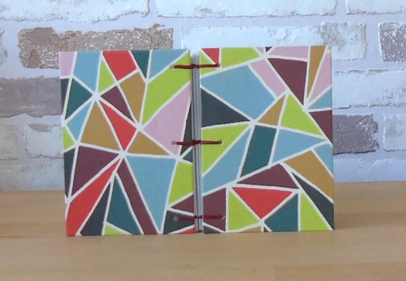 Kleinesbild - Notizbuch A7 Dreiecke bunt // koptische Bindung // Geschenk // Mitbringsel // Blankobuch