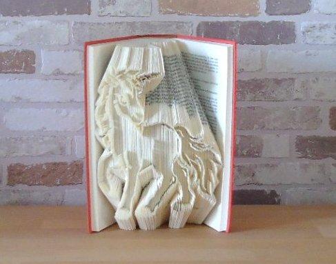 - gefaltetes Buch - Einhorn // Buchkunst // Bookfolding // Fantasy // Fabelwesen // Geschenk  - gefaltetes Buch - Einhorn // Buchkunst // Bookfolding // Fantasy // Fabelwesen // Geschenk