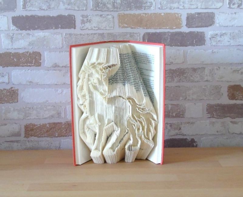 Kleinesbild - gefaltetes Buch - Einhorn // Buchkunst // Bookfolding // Fantasy // Fabelwesen // Geschenk