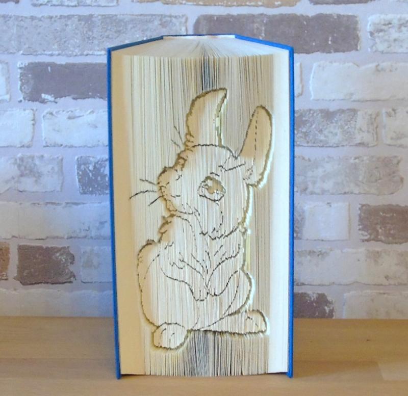 Kleinesbild - gefaltetes Buch - Hase sitzend // Buchkunst // Bookfolding // Dekoration // Geschenk // Kaninchen // Häschen