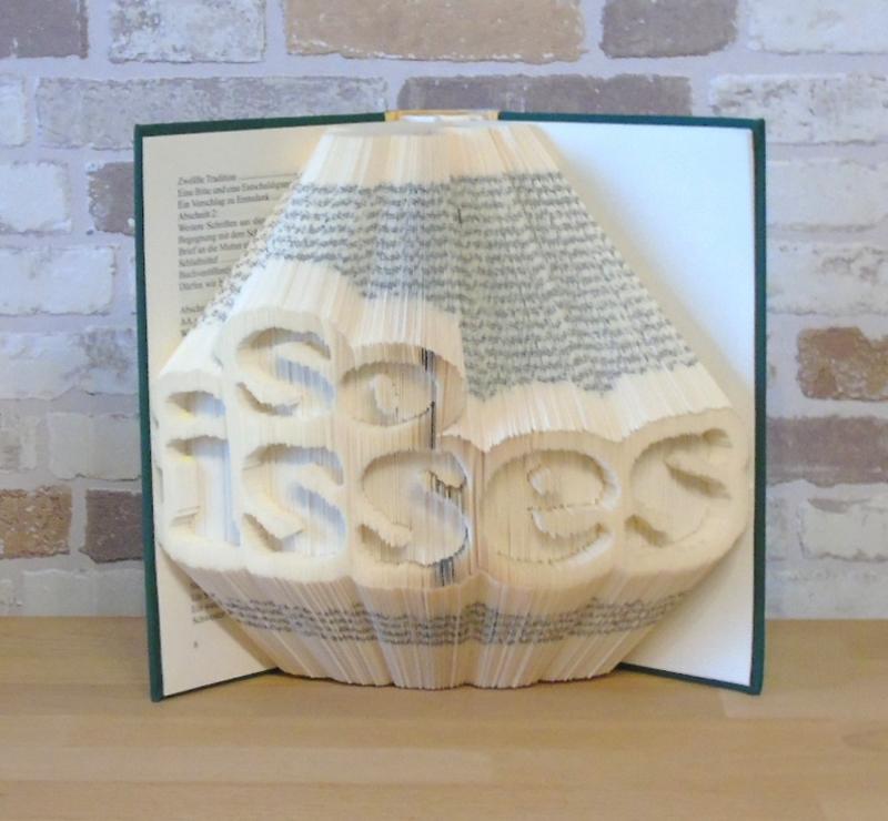 Kleinesbild - gefaltetes Buch - so isses // Buchkunst // Buchfalten // Bookfolding // Book Art // Geschenk // Dekoration