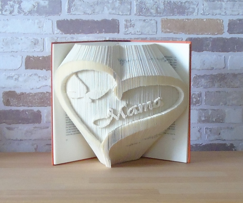 - gefaltetes Buch - Mama Herz // Buchkunst // Bookfolding // Dekoration // Geschenk // Muttertag // Danke - gefaltetes Buch - Mama Herz // Buchkunst // Bookfolding // Dekoration // Geschenk // Muttertag // Danke