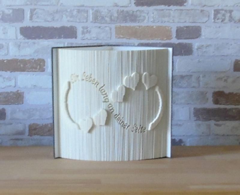 Kleinesbild - gefaltetes Buch - Ein Leben lang an deiner Seite // Buchkunst // Bookfolding // Dekoration // Liebe // Hochzeit // Valentinstag