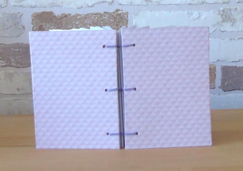Kleinesbild - Notizbuch A7 - rosa kariert // Buchbinden // koptische Bindung // Blankobuch // Geschenk // Kladde // handgebunden