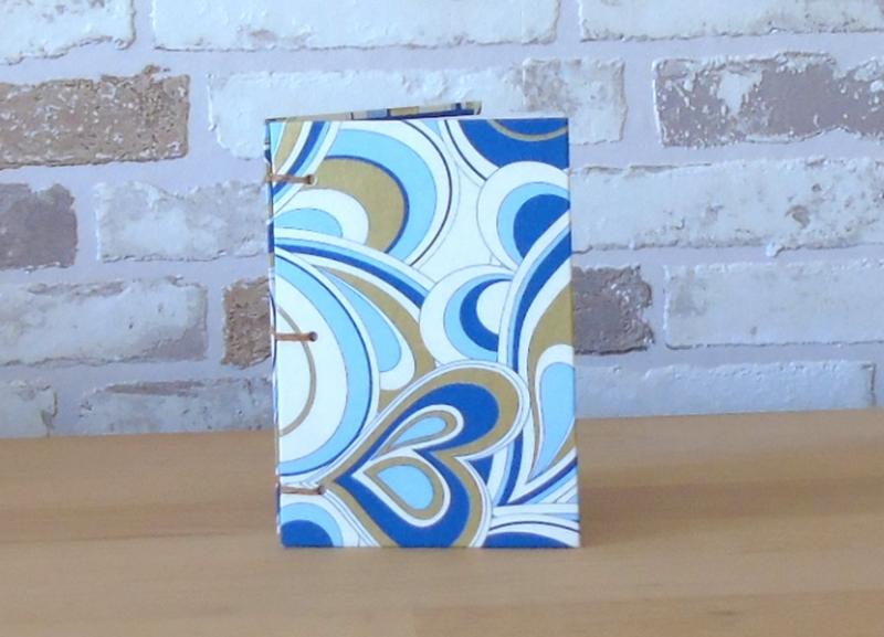 - Notizbuch A7 - Ornamente blau weiß Gold // koptische Bindung // handgebunden // Blankobuch // Geschenk // Kladde - Notizbuch A7 - Ornamente blau weiß Gold // koptische Bindung // handgebunden // Blankobuch // Geschenk // Kladde