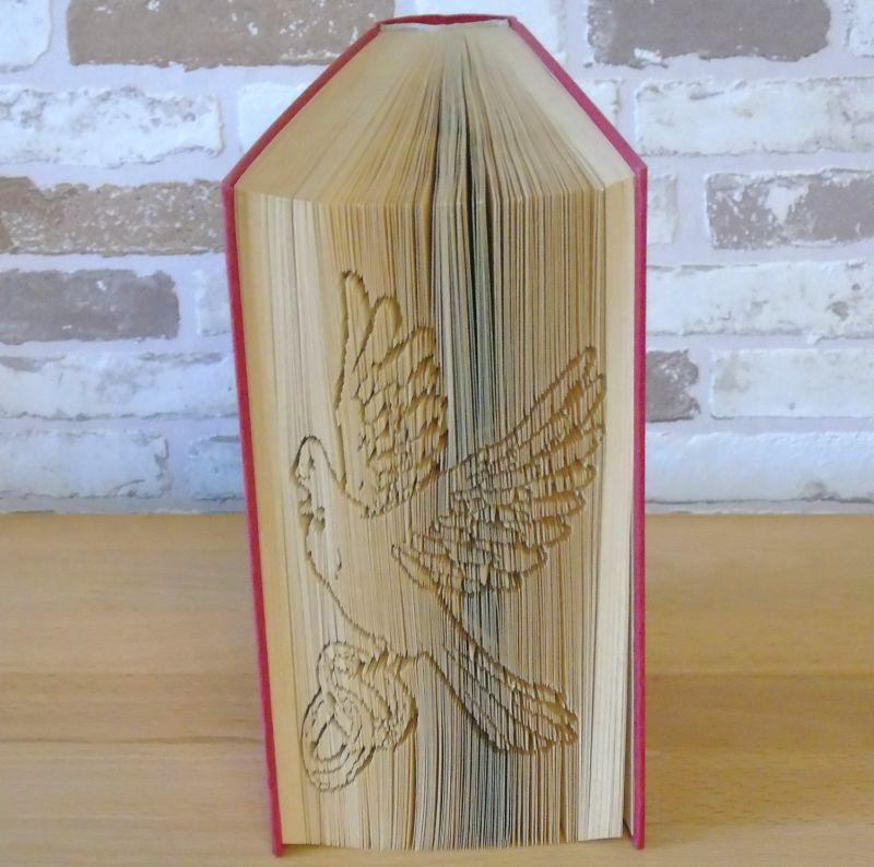 Kleinesbild - gefaltetes Buch - Taube mit Ringen // Buchkunst // Dekoration // Hochzeit // Bookfolding // Book Art // Hochzeitsgeschenk