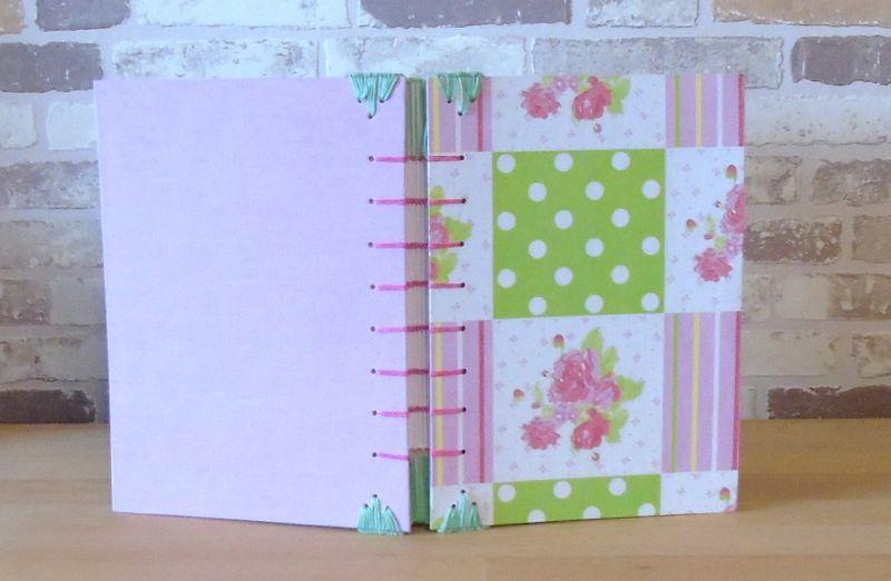 - Notizbuch A5 - Rose Punkte rosa grün // Tagebuch // Skizzenbuch // Diary // Geschenk // Erinnerungen // blanko - Notizbuch A5 - Rose Punkte rosa grün // Tagebuch // Skizzenbuch // Diary // Geschenk // Erinnerungen // blanko