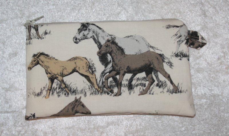 - Pferdetäschchen für allerlei Kleinkram / Mädchenkram  - Pferdetäschchen für allerlei Kleinkram / Mädchenkram