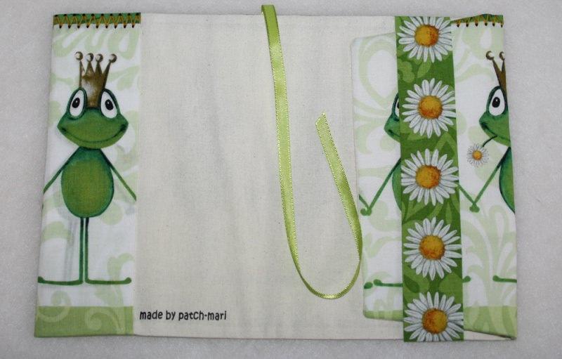 Kleinesbild -  Buchhülle - Taschenbuchhülle - Froschkönig - kiss me frog