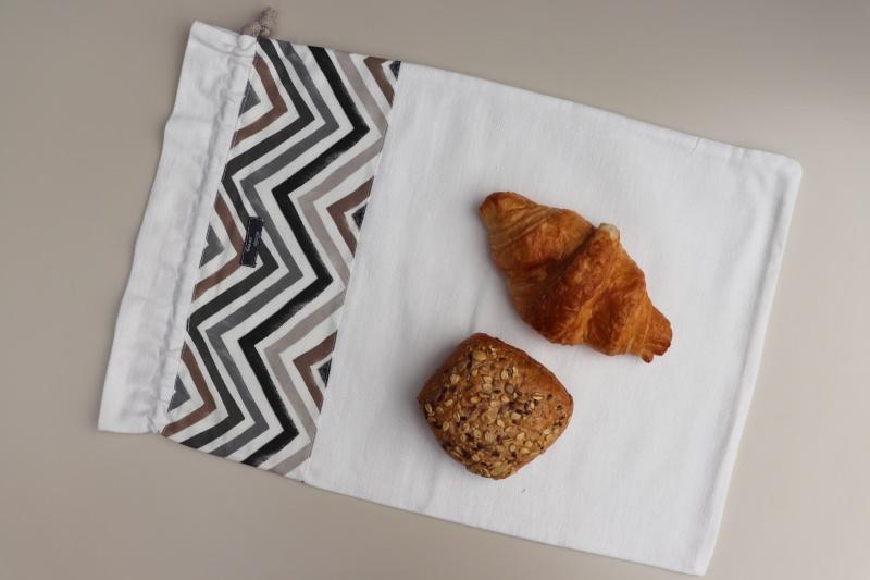 - Brotbeutel *Zigzag beige* Baumwolle weiß mit Kordel, von friess-design  - Brotbeutel *Zigzag beige* Baumwolle weiß mit Kordel, von friess-design