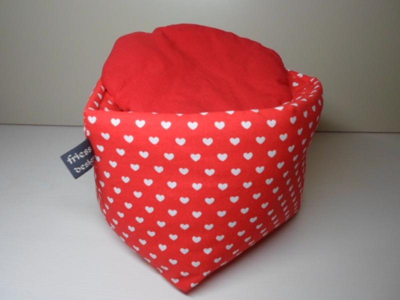 Kleinesbild - Eierkörbchen/ Eierwärmer *Cuore* Baumwolle rot mit Deckel nach Wahl von friess-design