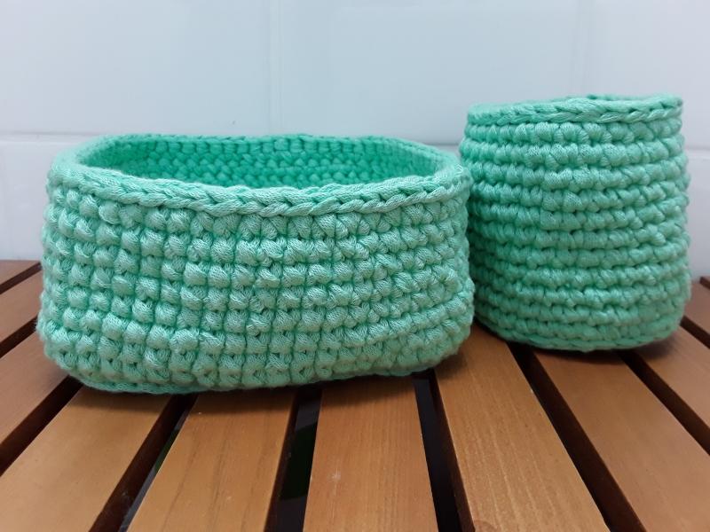 - SET: 2 gehäkelte Utensilos/ Textilkörbe/ Aufbewahrungsbox aus Baumwolle in mintgrün von friess-design - SET: 2 gehäkelte Utensilos/ Textilkörbe/ Aufbewahrungsbox aus Baumwolle in mintgrün von friess-design