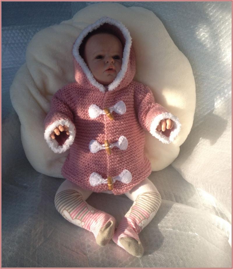 Kleinesbild - gestrickter altrosa Baby-Dufflecoat, Gr. 62/68