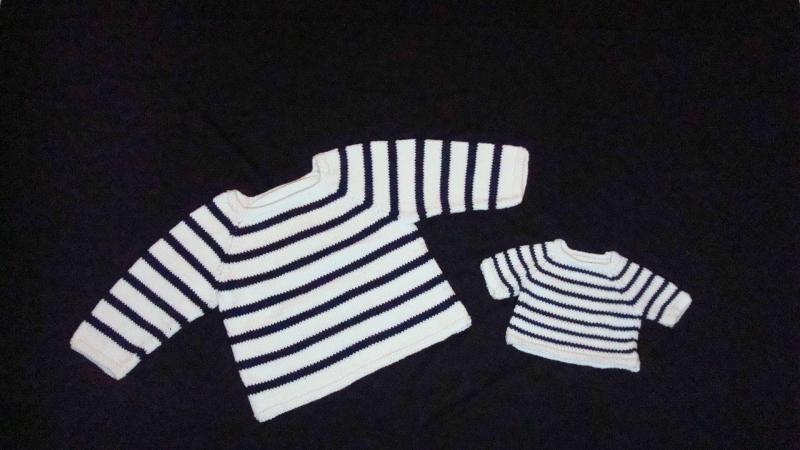 - gestrickter, maritimer Pullover für Kind und Puppe, Gr. 98/104 + 43 - gestrickter, maritimer Pullover für Kind und Puppe, Gr. 98/104 + 43
