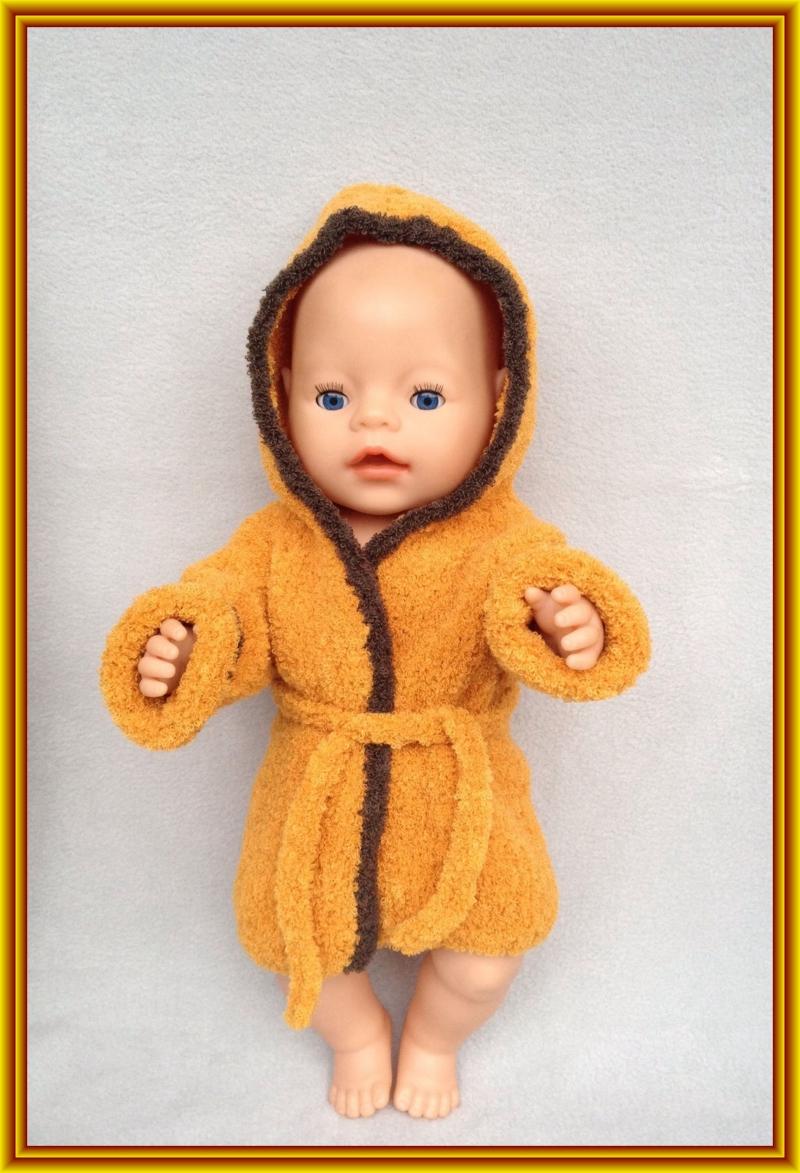 - gestrickter, kuscheliger Puppen-Bademantel - gestrickter, kuscheliger Puppen-Bademantel