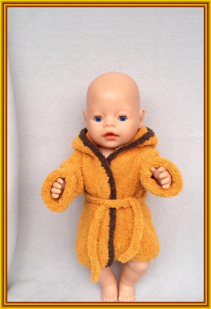 Kleinesbild - gestrickter, kuscheliger Puppen-Bademantel