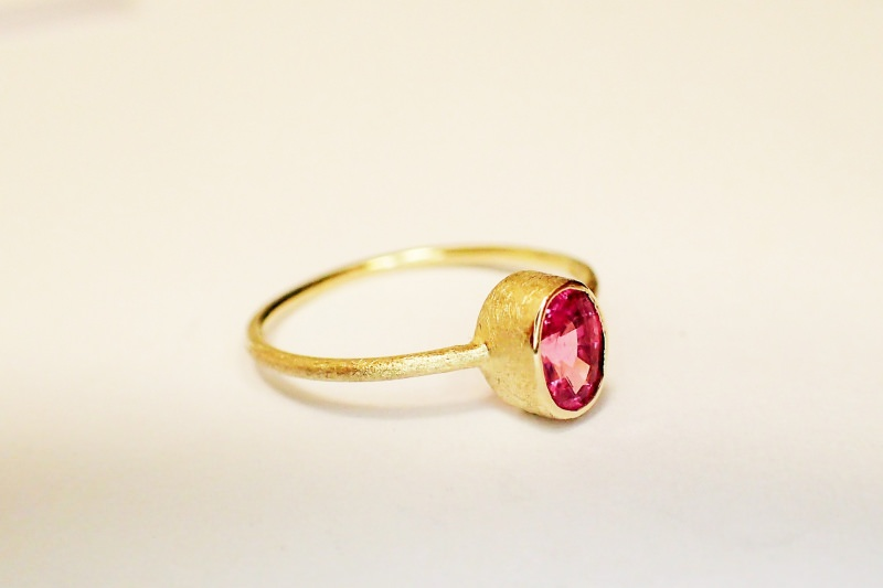 Kleinesbild - ring in 585 GOLD pink SPINELL verlobungsring in handarbeit