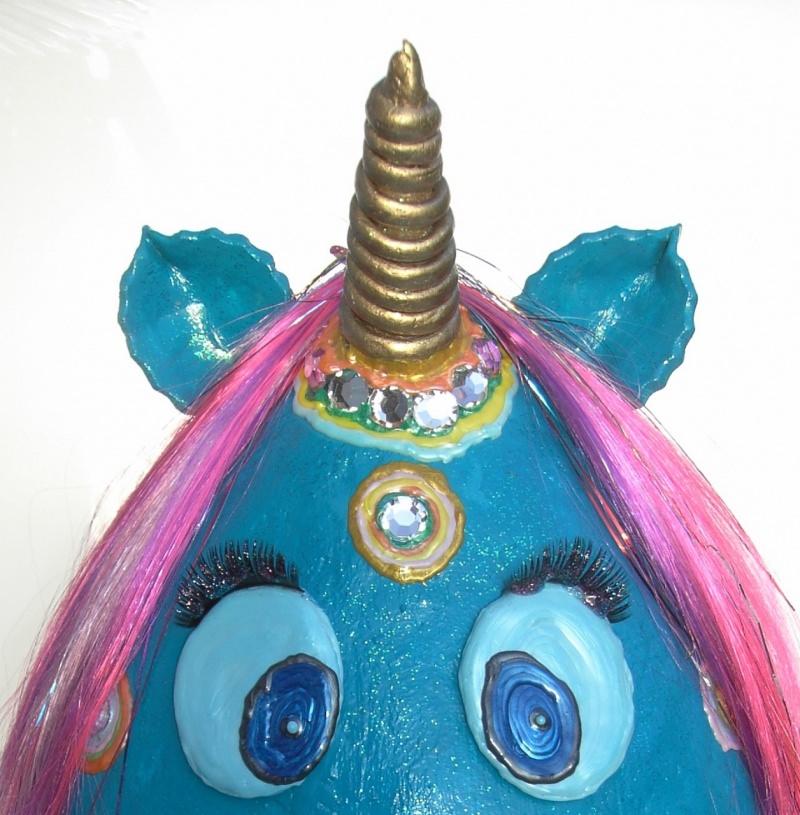 Kleinesbild - Einhorn THORAL Unicorn XXL Ostergeschenk handgearbeitetes Pappmache-Ei in Türkis mit bunter Deko Ei(n)horn Pappmache Skulptur Figur