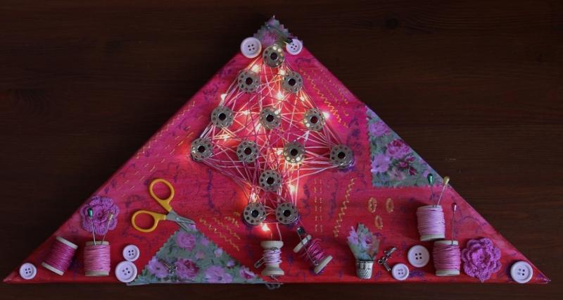 Kleinesbild - Wanddeko HANDARBEIT Weihnachtsbaum Weihnachtsdeko Wanddeko Christbaum Künstlerbaum mit LED-Beleuchtung