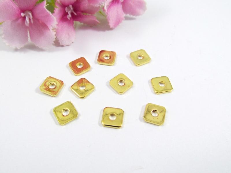 - 100 Spacer / Zwischenperle Quadrat 6x6mm, Farbe gold - 100 Spacer / Zwischenperle Quadrat 6x6mm, Farbe gold