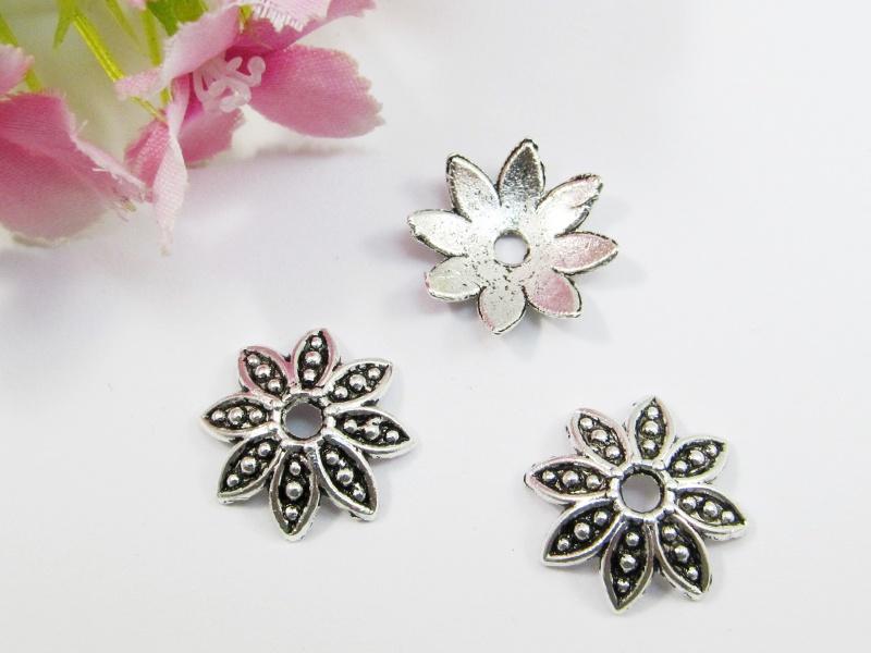 - 10 Perlenkappen 14,5mm, in Blütenform, Farbe silber antik - 10 Perlenkappen 14,5mm, in Blütenform, Farbe silber antik