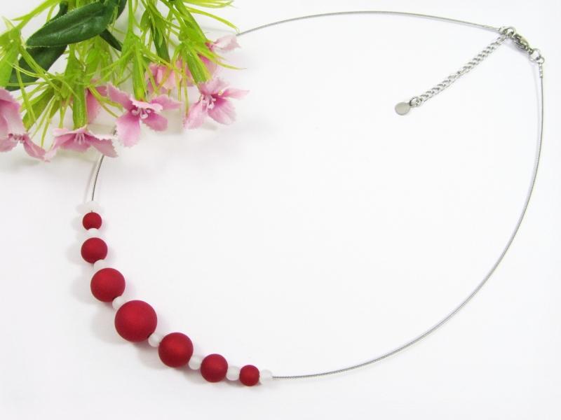Kleinesbild - Stahlseil-Collier mit Polarisperlen in rubinrot und weiß, mit Edelstahl-Verschluss