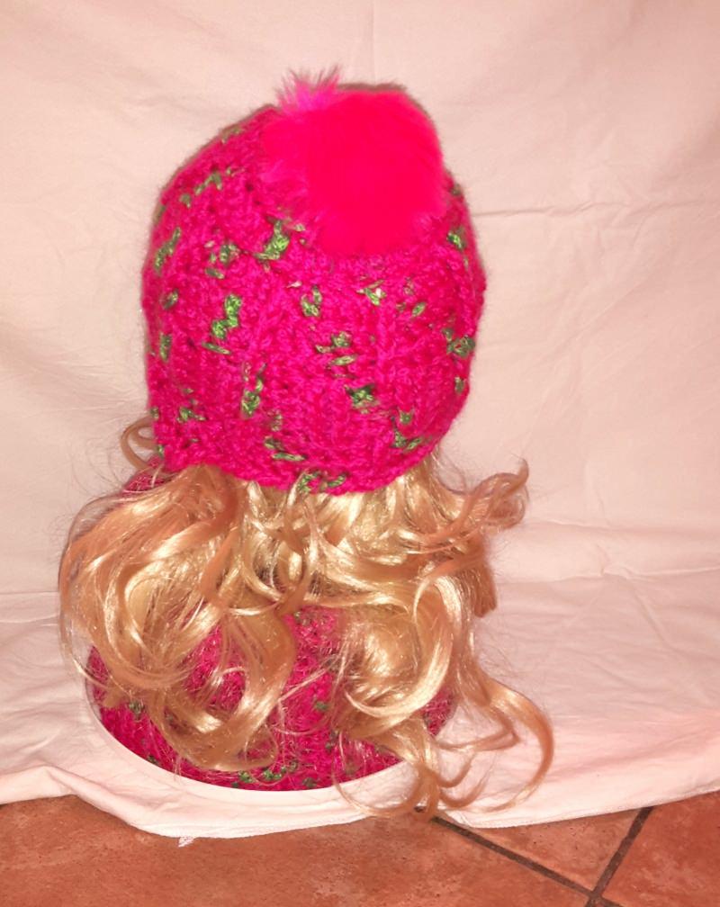 Kleinesbild - Set aus Loop und Häkelmütze mit Ohrenklappen in pink