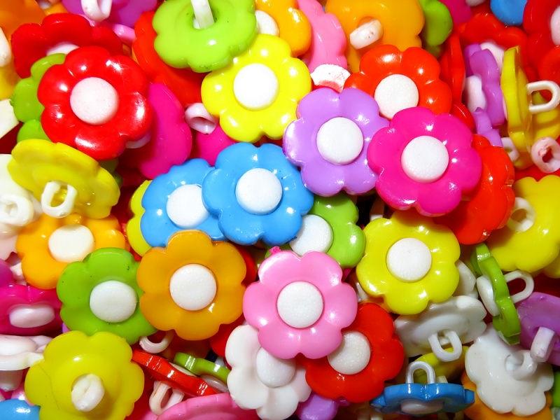 - 10 bunte Kinderknöpfe Ösenknöpfe Blume Knöpfe zum Basteln und nähen bunte Blümchen - 10 bunte Kinderknöpfe Ösenknöpfe Blume Knöpfe zum Basteln und nähen bunte Blümchen