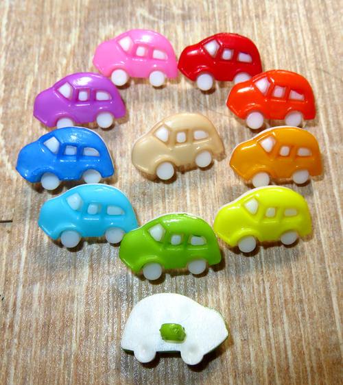 Kleinesbild - 10 bunte Kinderknöpfe Ösenknöpfe Autos Cars Knöpfe zum Basteln und nähen