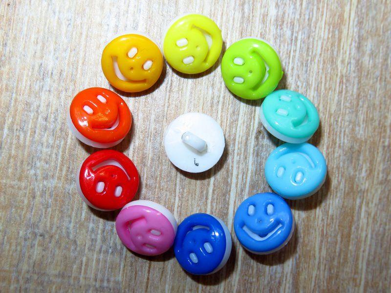Kleinesbild - 10 bunte Kinderknöpfe Ösenknöpfe Smily Emoji Knöpfe zum Basteln und nähen  (Kopie id: 30834) (Kopie id: 30849)