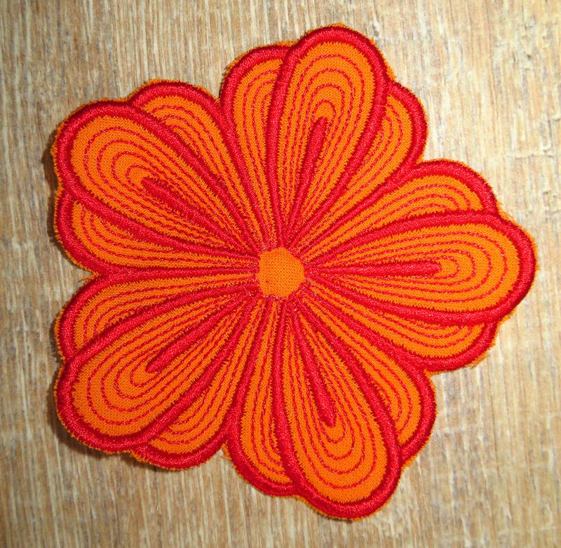 Kleinesbild - Applikation Stickbild Bügelflicken Aufnäher Bügelbild Hosenflicken Knieflicken Verzierung Blume Stickblume Farbwahl 10cm