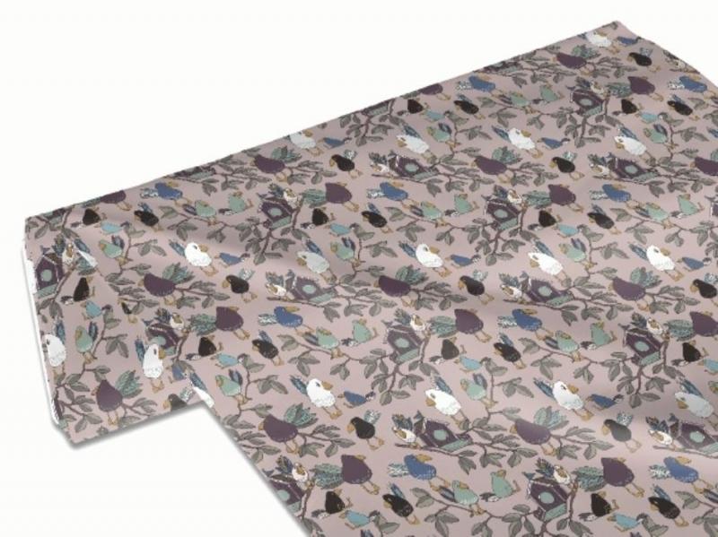 Kleinesbild - 50cm Baumwollstoff 100% Baumwolle Meterware Kinderstoff Hergestellt nach ÖkoTex100 Vögel Vogelhaus Wald rosa Raben
