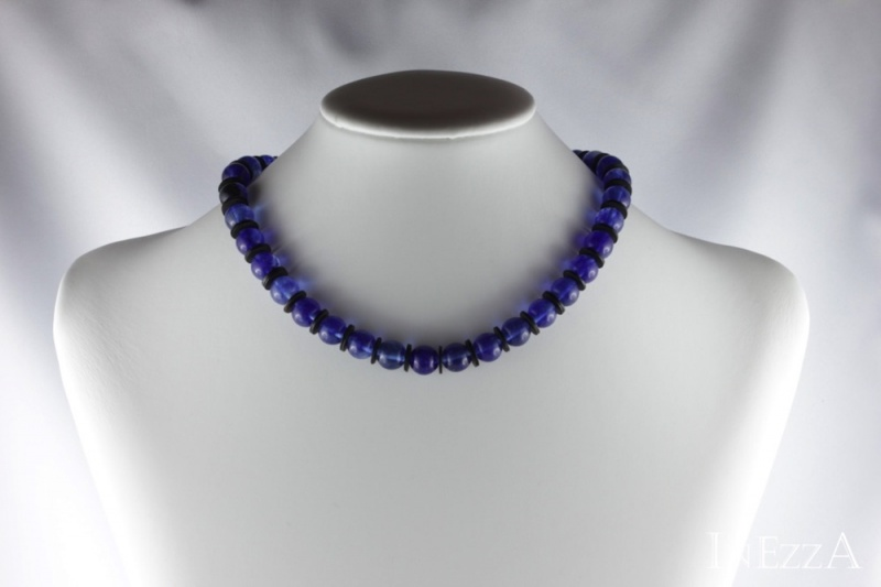 Kleinesbild - Halskette aus Watermelone und Bakelit in blau schwarz