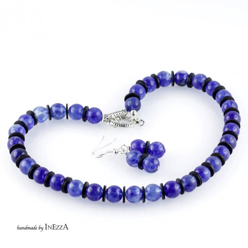 - Halskette aus Watermelone und Bakelit in blau schwarz - Halskette aus Watermelone und Bakelit in blau schwarz