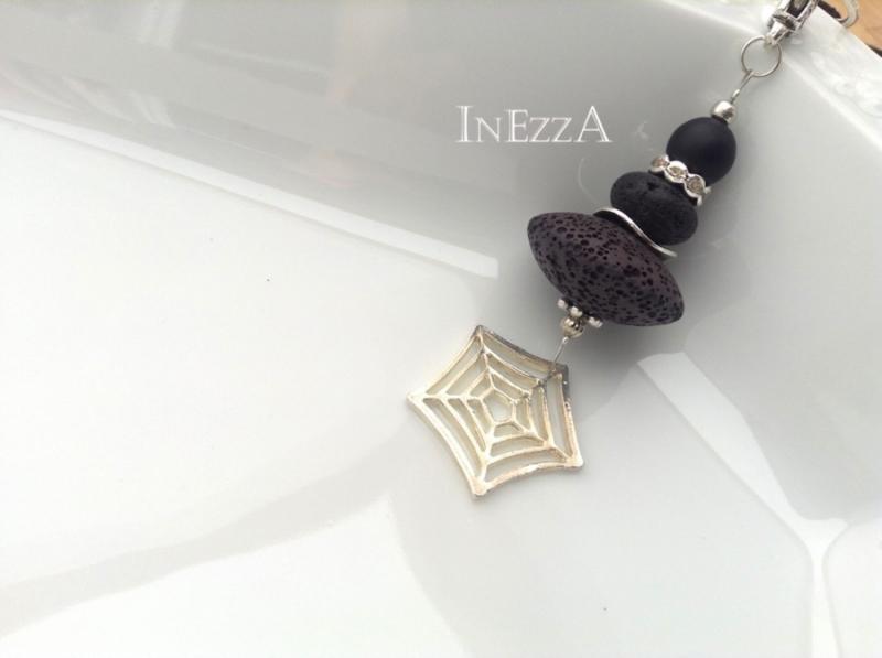 Kleinesbild - Lange Kette mit Lavaperle Rondell mit Spinnennetz schwarz Wechselkette Handarbeit