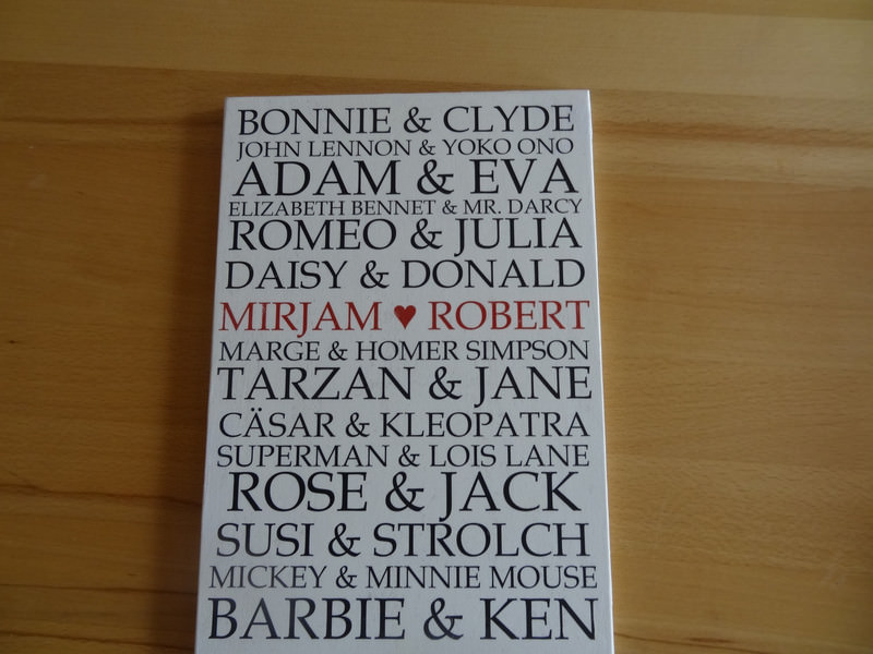 Kleinesbild - Romantisches Schild mit berühmten Liebespaaren, auch dein Name kann dort stehen