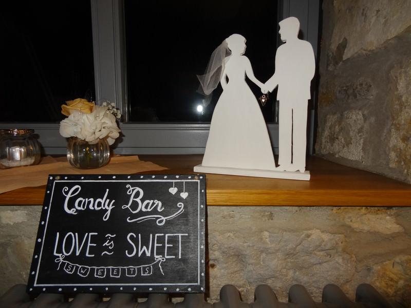 Kleinesbild - romantisches Brautpaar als Dekofür den Brauttisch