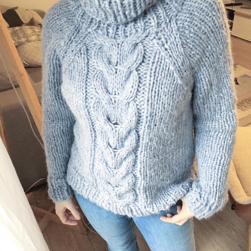 Kleinesbild - HILTRUD Pullover - Strickanleitung für Damenpullover mit Zopf