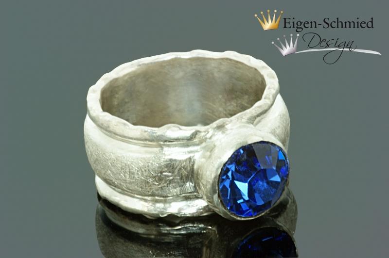 Kleinesbild - Goldschmiede Silberring