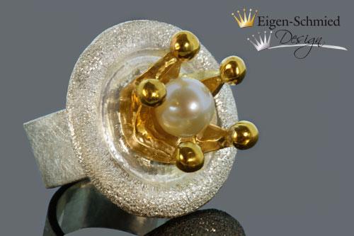 """Kleinesbild - Goldschmiede Perlenring """"Queen of the arts"""", in 925er Sterling Silber mit Teilvergoldung, Krone, Perle, massiv Silber, Unikat, handgefertigt, Prinzessin, pompös, einzigartig"""