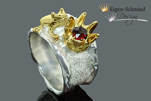 """- Goldschmiede Silberring, """"Frosch Sam mit Krone"""", Ring mit Frosch, Silberschmuck handmade, Frosch, Krone, Weihnachten, Geschenk für Sie,  Ring, Ringe - Goldschmiede Silberring, """"Frosch Sam mit Krone"""", Ring mit Frosch, Silberschmuck handmade, Frosch, Krone, Weihnachten, Geschenk für Sie,  Ring, Ringe"""