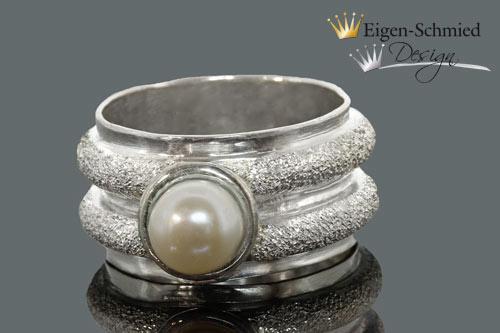 """Kleinesbild - Goldschmiede Silberring """"Pearled"""", in 925 Sterling Silber massiv, Silberschmuck handmade, Ring mit Perle, Perlenschmuck, Geburtstag, Verlobungsring"""