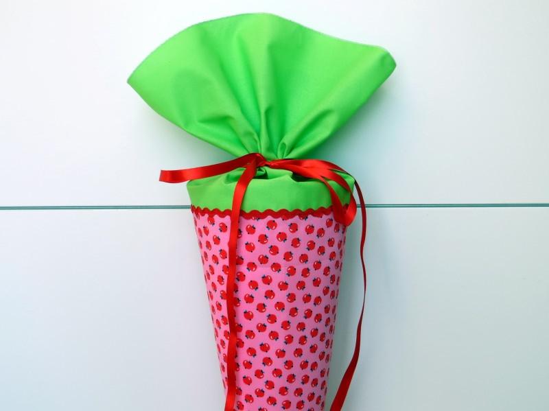 - Schultüte aus Stoff mit süßen Äpfeln in rosa und hellgrün - Schultüte aus Stoff mit süßen Äpfeln in rosa und hellgrün
