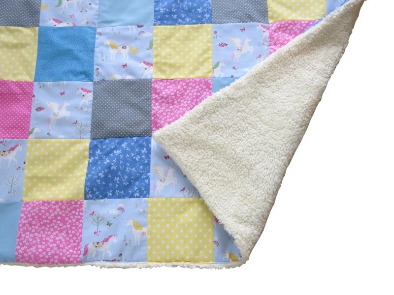 Kleinesbild - Krabbeldecke Babydecke Einhörner rosa blau gelb Baby Laufstalldecke Patchworkdecke