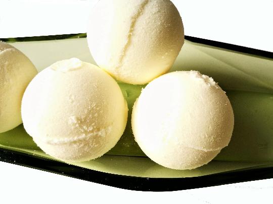 - Badekugel/ badebombe Honig und Milch, duftend, schäumend   - Badekugel/ badebombe Honig und Milch, duftend, schäumend