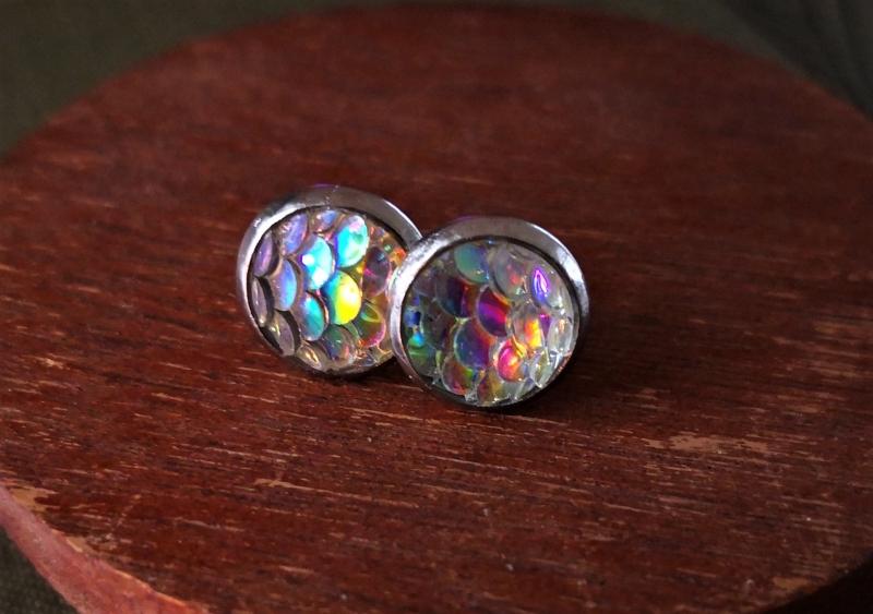 - Schillernde Ohrstecker 10mm, Edelstahl, wie ein Regenbogen  - Schillernde Ohrstecker 10mm, Edelstahl, wie ein Regenbogen