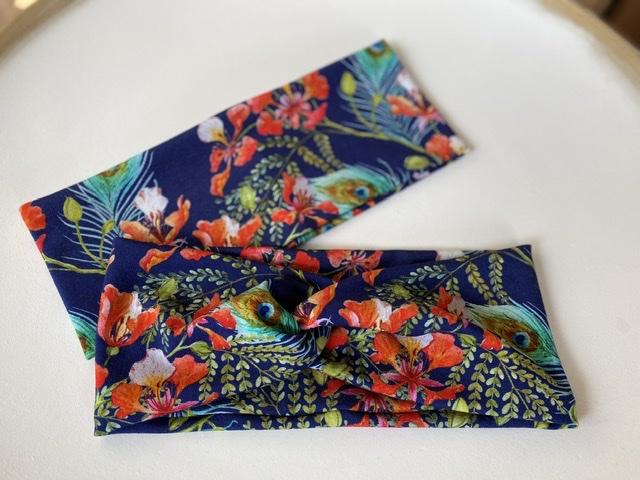 - Stirnband Pfauenfeder und Blumen Marineblau Elastisch mit oder ohne Knoten - Stirnband Pfauenfeder und Blumen Marineblau Elastisch mit oder ohne Knoten
