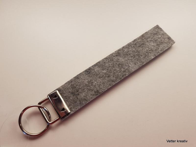Kleinesbild - ☆☆ Seriengriller ☆☆ handgefertigter Schlüsselanhänger aus Wollfilz