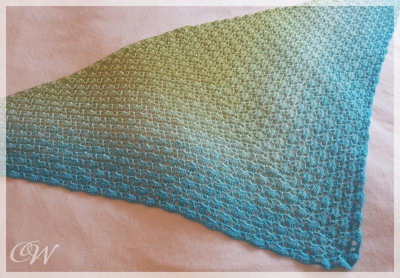Kleinesbild - Häkeltuch, Dreieckstuch mit farbverlauf grün-türkis