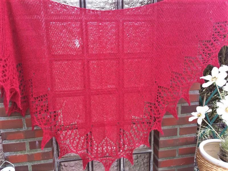 Kleinesbild - Lacetuch  *DAILY* in rot / gestricktes Schultertuch